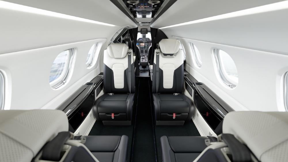 Porsche Embraer business jet and 911 Targa S have similar interiors