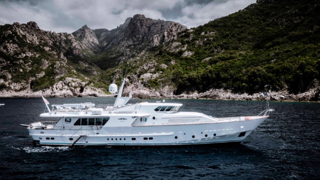 The Superyacht that Carlo Riva designed for himself and bought