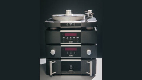 Mark Levinson's 5000 Series of audio components.