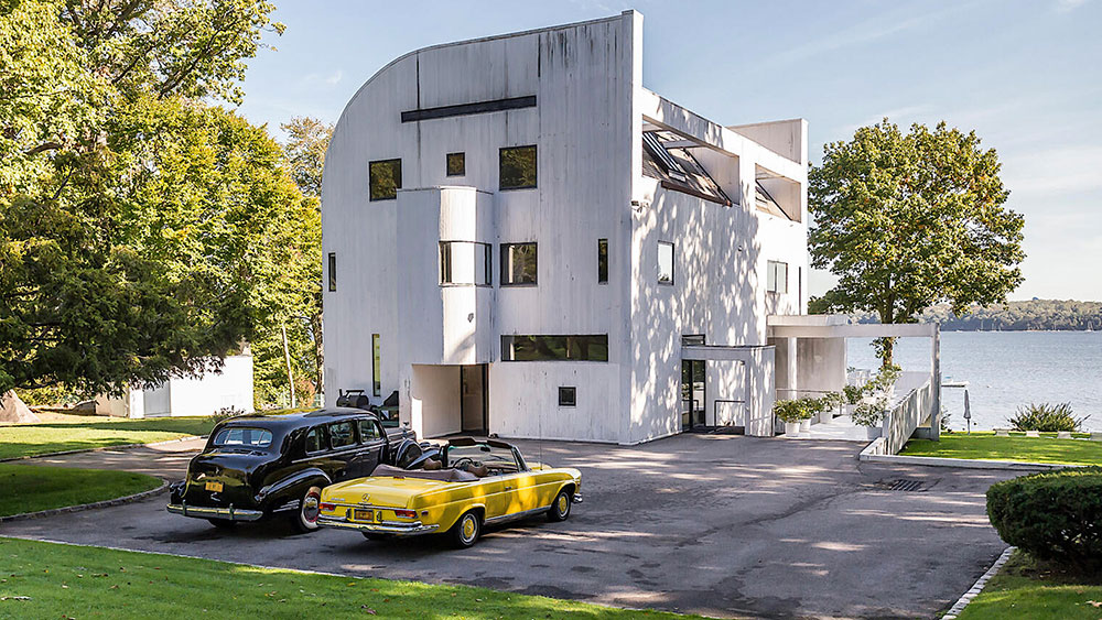 Home of the Week: This $18 Million Richard Meier-Designed Compound Has Its Own Spiral Escape Slide