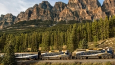 Rocky Mountaineer Rockies to the Red Rocks