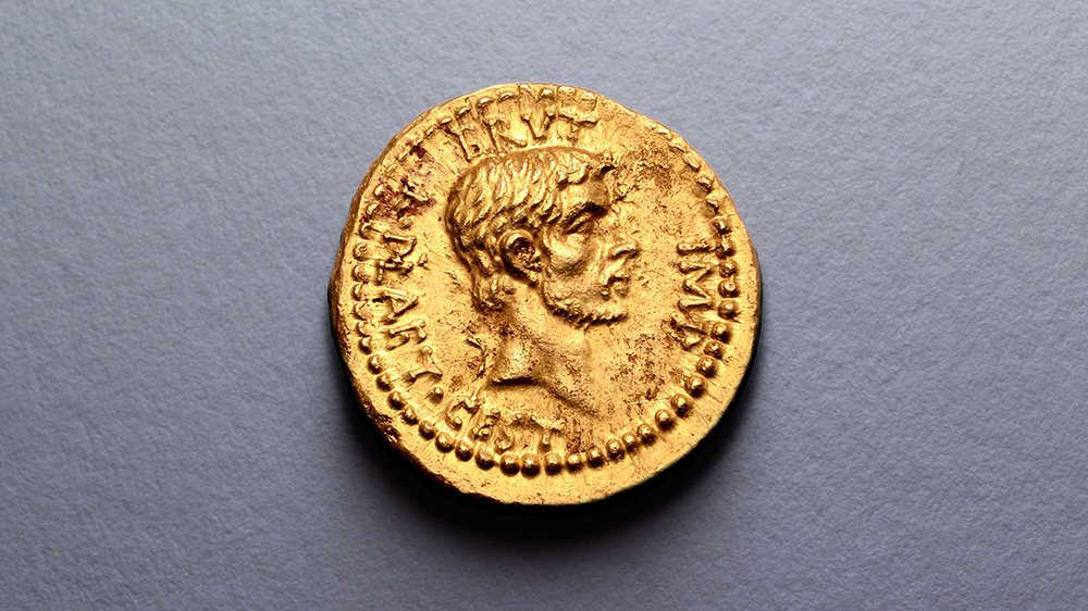 "Record-setting ""aureus"" coin celebrating Julius Caesar's assassination"