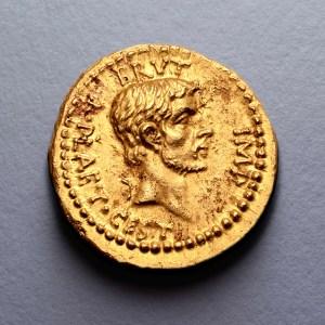 """Record-setting """"aureus"""" coin celebrating Julius Caesar's assassination"""