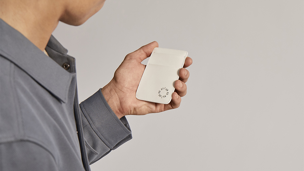 The timestamp on Covalent's cardholder allows one to trace the product's lifecycle and carbon footprint.
