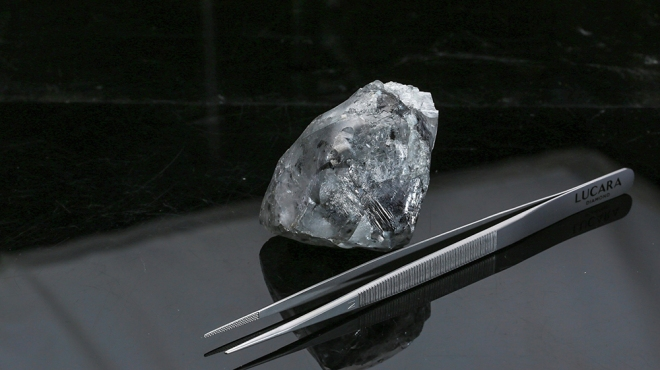 A 998-carat diamond recovered from the Karowe mine by Lucara Diamond Corp