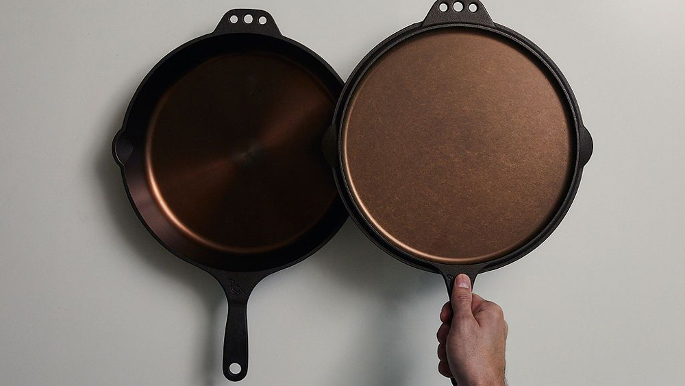 Smithey Ironware Co. cast iron griddle skillet