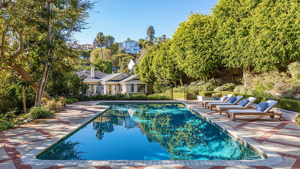 Los Angeles, Golden Girls, Real Estate