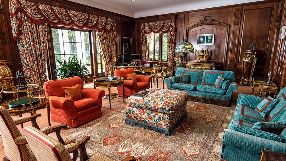 Mansion, Florida, Real Estate