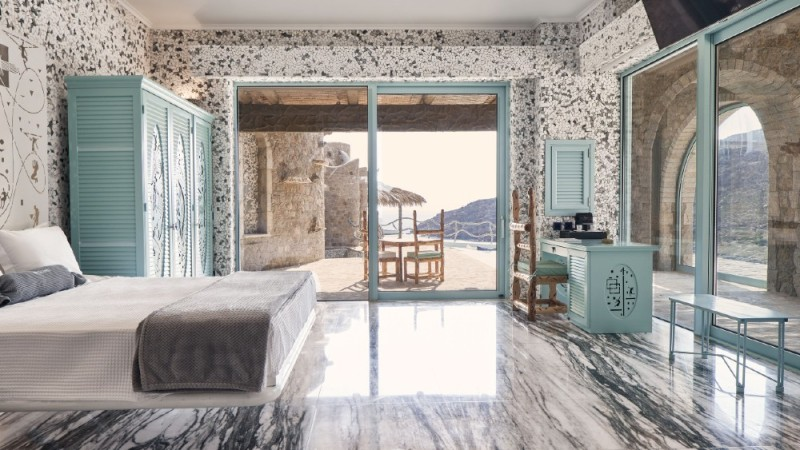 Calilo Suite, Calilo Greece