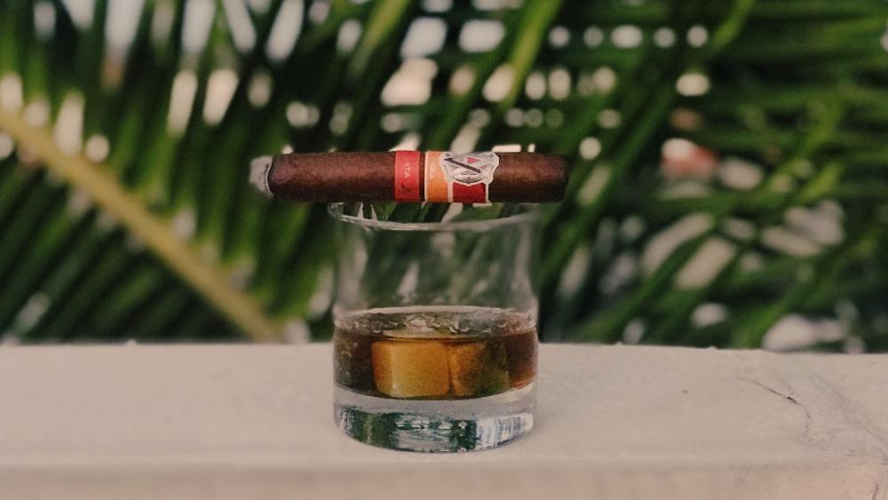 whisky cigar