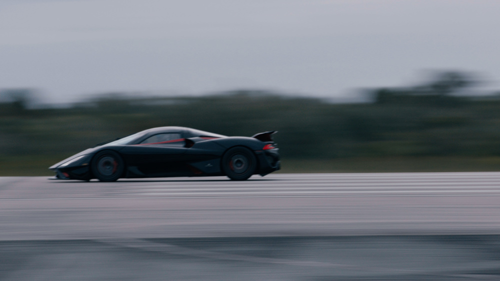 The 1,750 hp SSC Tuatara tears down the runway on its way to a production-car speed record.