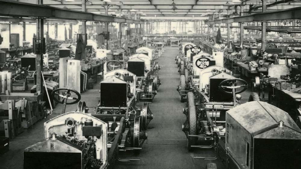 Production of the Rolls-Royce 40/50 model at the Derby plant in the early 1900s.