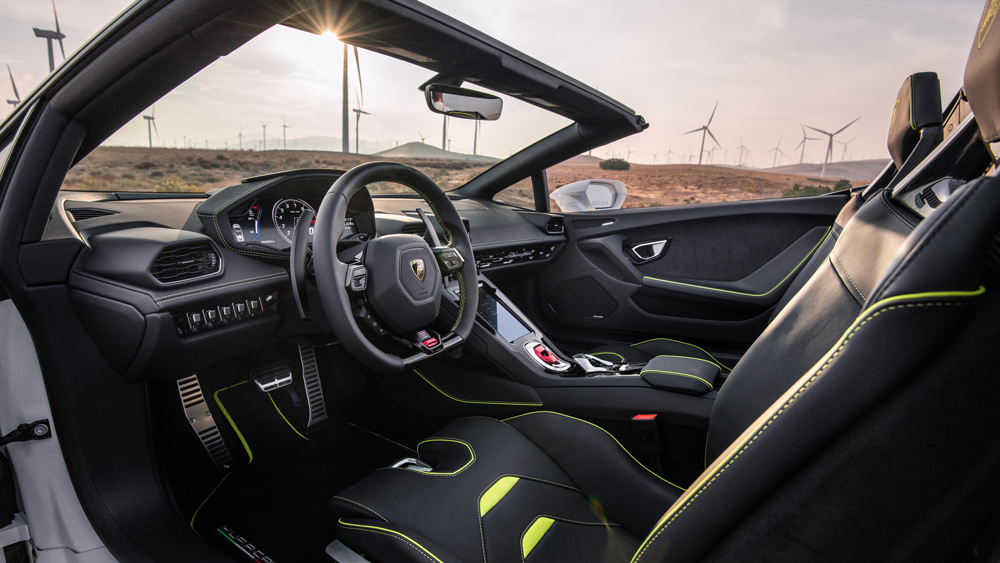 Inside the Lamborghini Huracán Evo RWD Spyder.