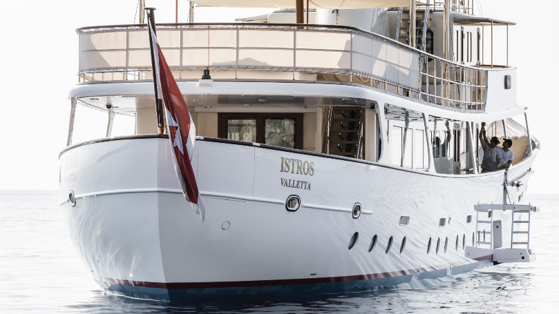 Istros is a 1954 Feadship that has been completely modernized.