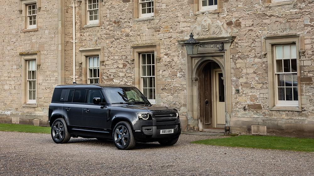 2022 Land Rover Defender V8 110