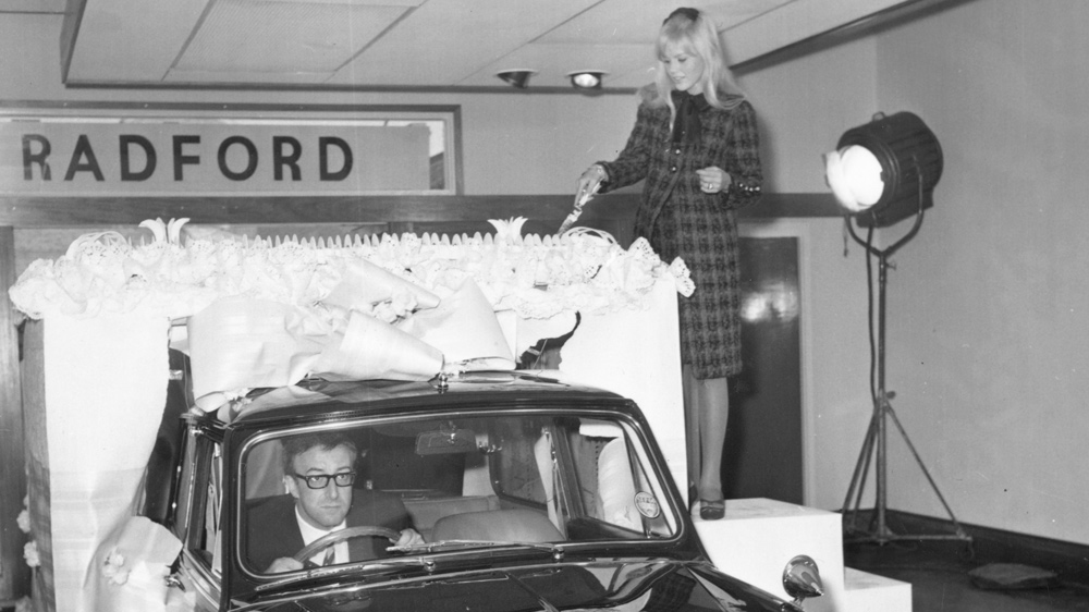 Peter Sellers and Britt Ekland with their Radford-customized Mini Cooper.