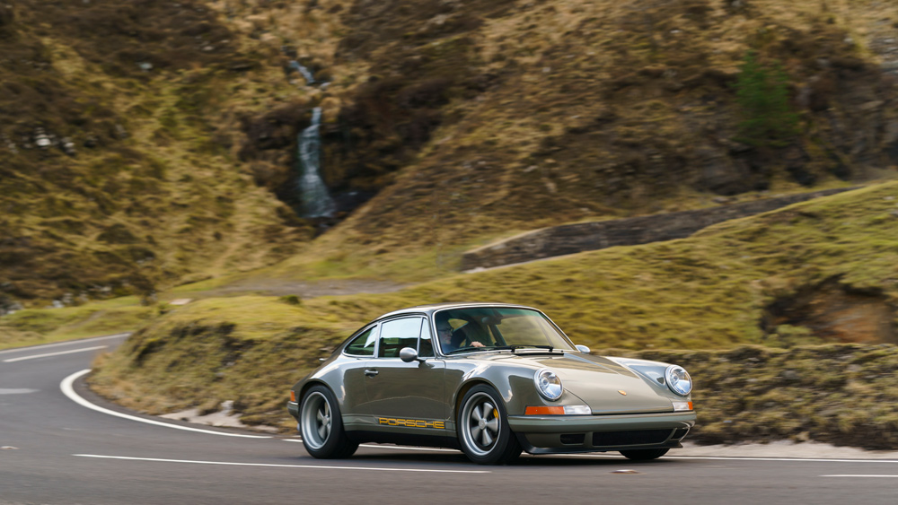 One of Theon Design's reenvisioned Porsche 911 examples.