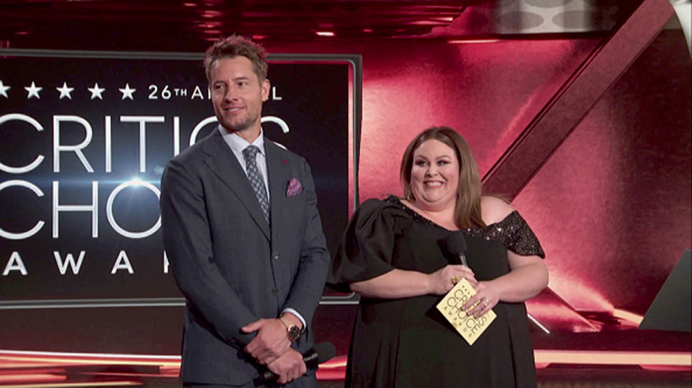 Justin Hartley and Chrissy Metz at the Critics' Choice Awards