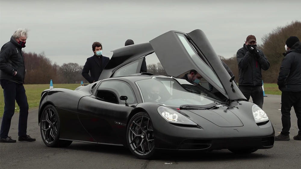Gordon Murray (far left) inspects the T.50 XP2 before his test drive