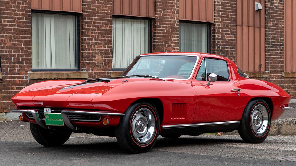 A 1967 Chevrolet Corvette 427/435.