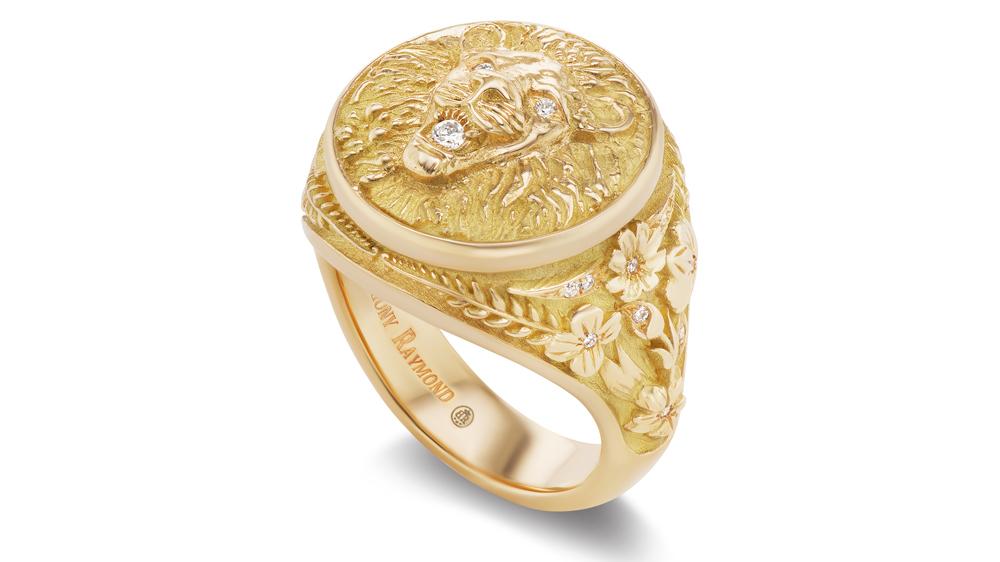 Briony Raymond Leo Signet Ring
