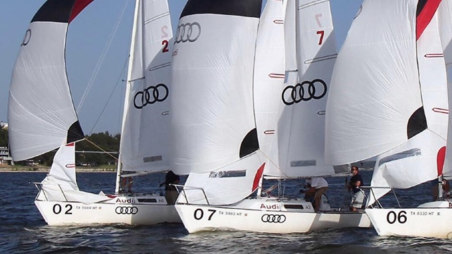Two programs using yachts and sailboats employ therapeutic techniques