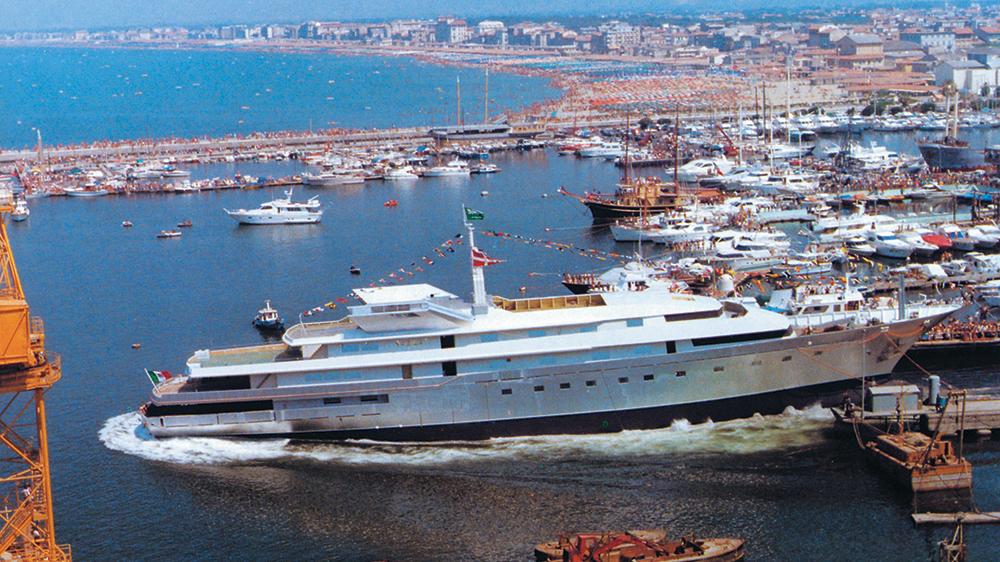 Superyacht in Benetti yard