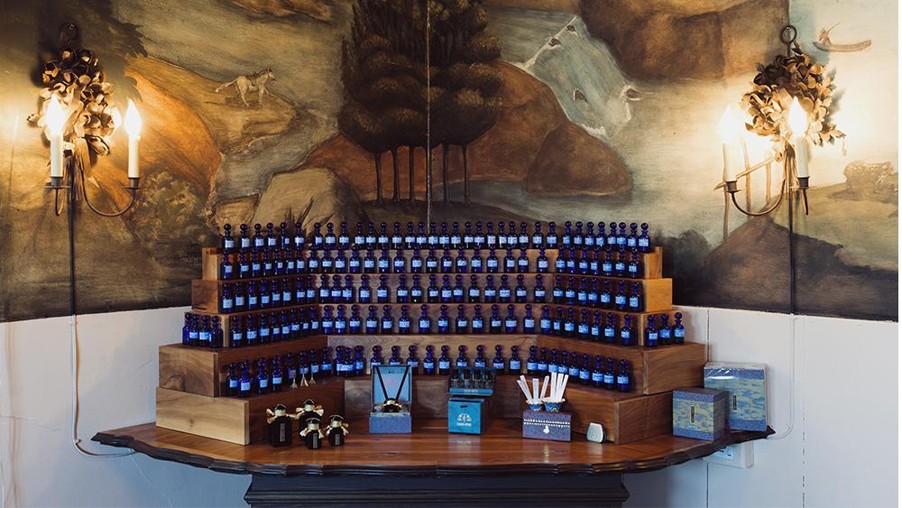 A fragrance display in Cultus Artem's salon.
