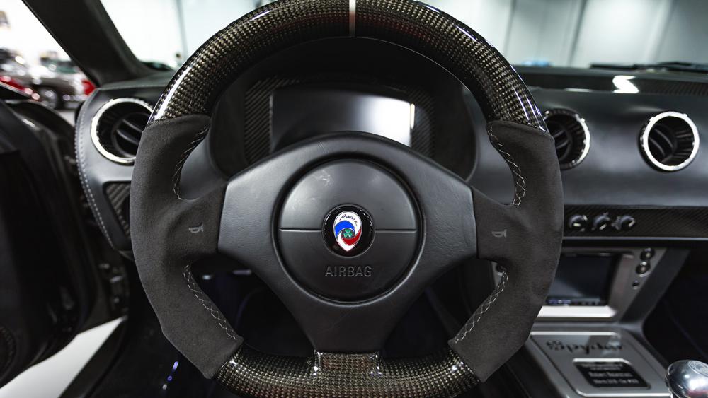 The interior of a Panoz Esperante Spyder GT.