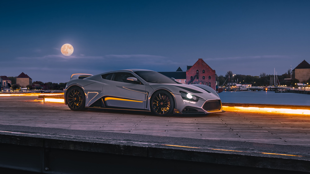 The TS1 GT with the town of Præstø, on the Danish island of Zealand, as backdrop.
