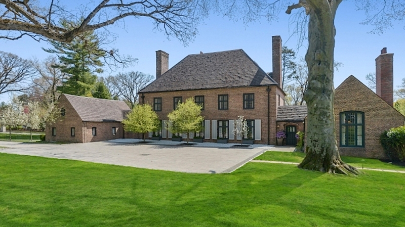 NFL Vet Eric Reid's New Jersey English Manor