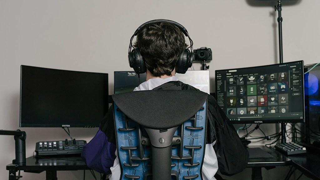 Online Esports Gaming