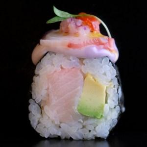 nikkei sushi roll avocado