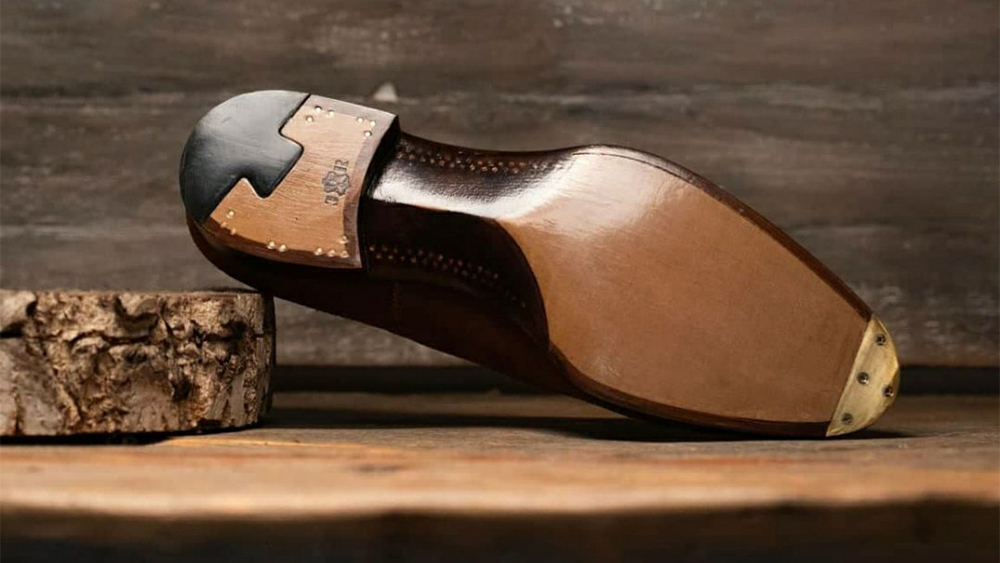 The sculptural pegged sole is a Passus signature.