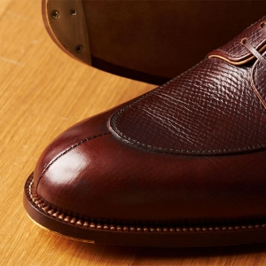 Details of the stitching around the split-toe on a Passus derby shoe.