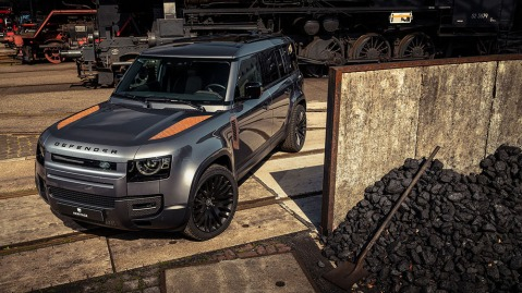 Heritage Customs Magic Metal pack for the Land Rover Defender Valiance