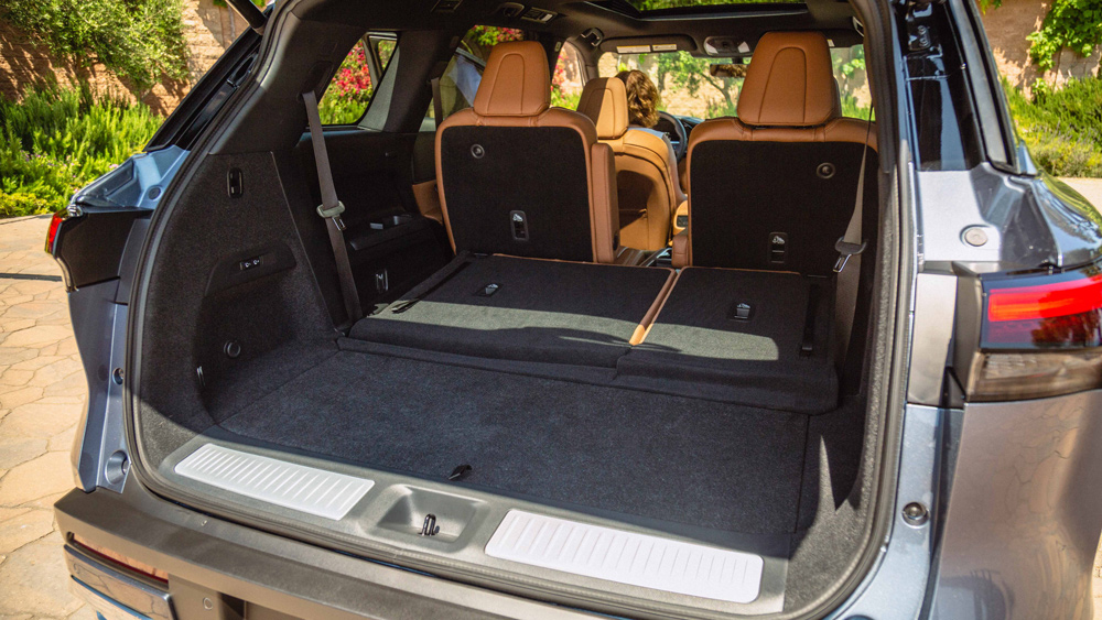 The rear cargo space of the 2022 Infiniti QX60.