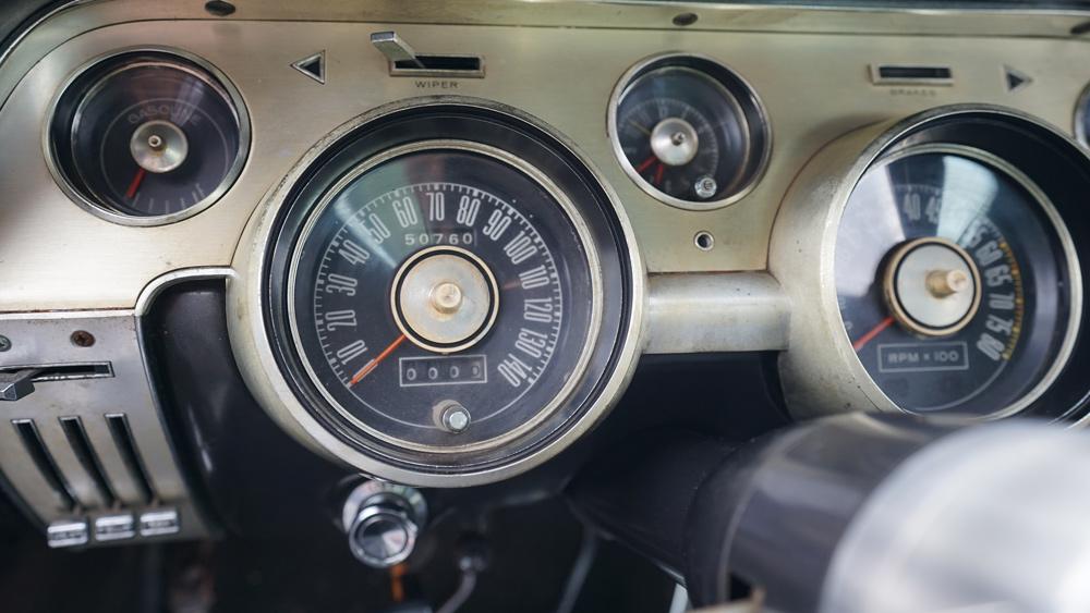 لوحة القيادة لسيارة شيلبي جي تي 500 لعام 1967 التي لم يتم تجديدها.