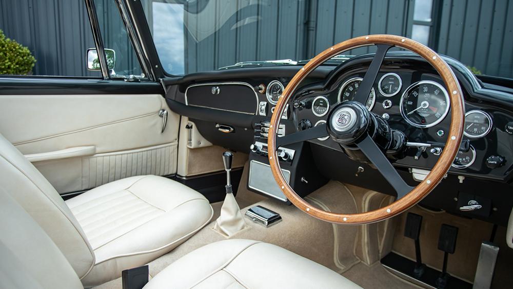 Aston Martin DB5 Vantage Collectiion