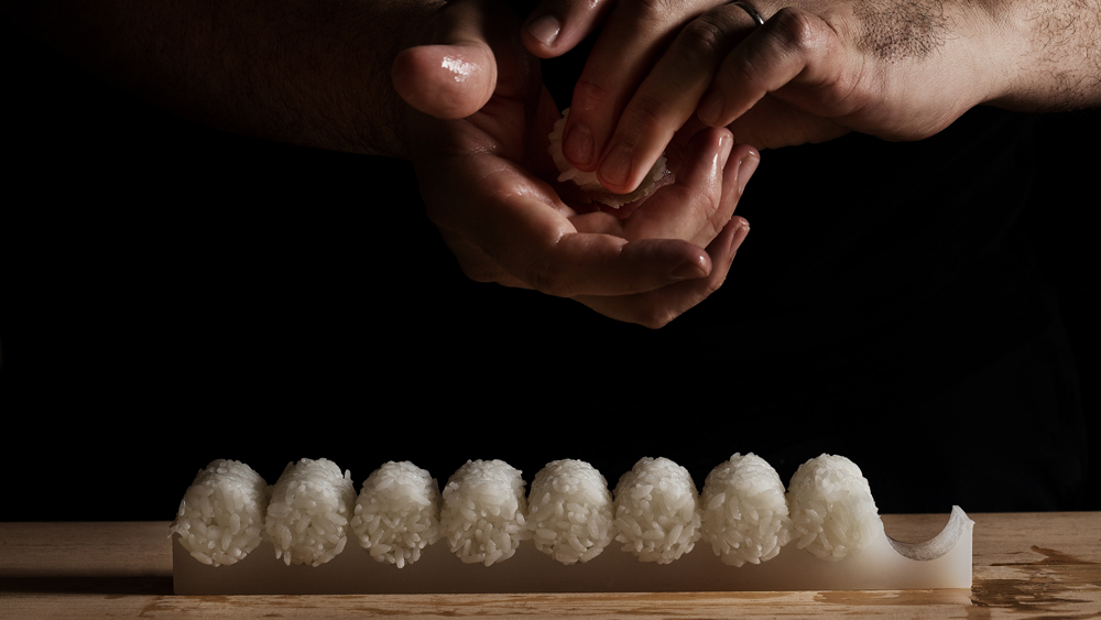 shaping sushi rice