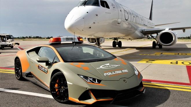 Lamborghini Huracán Follow Me Car