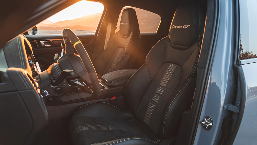 The interior of the 2022 Porsche Cayenne Turbo GT.