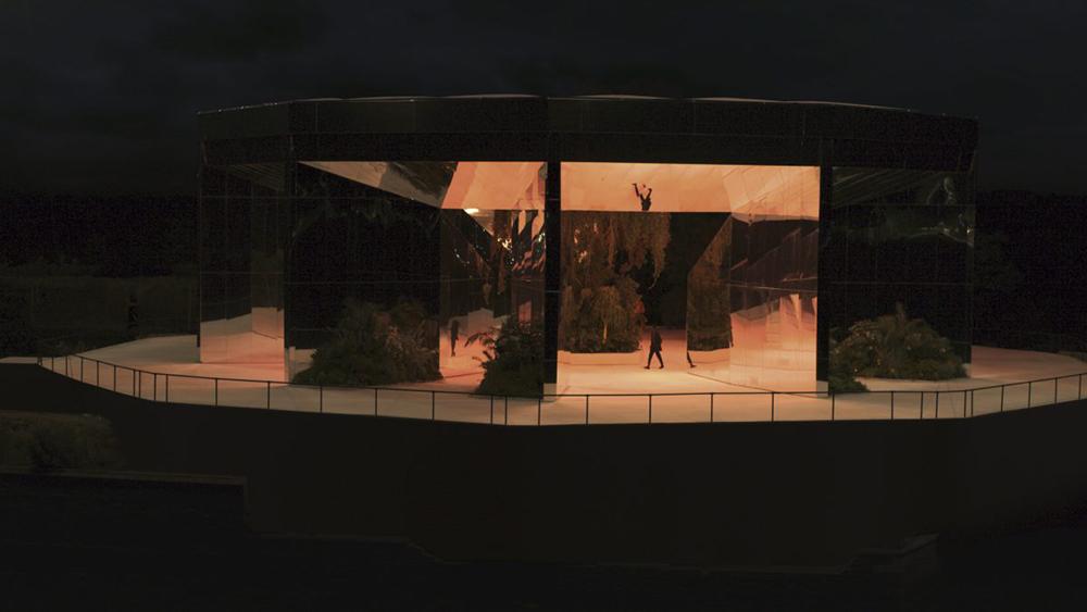 Doug Aitken Installation