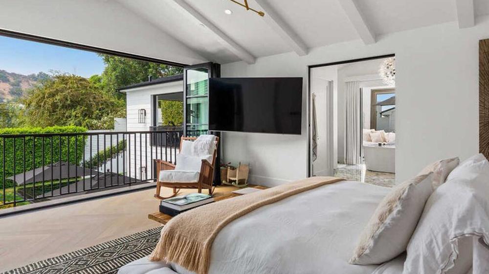 Rihanna's Beverly Hills Rental Property