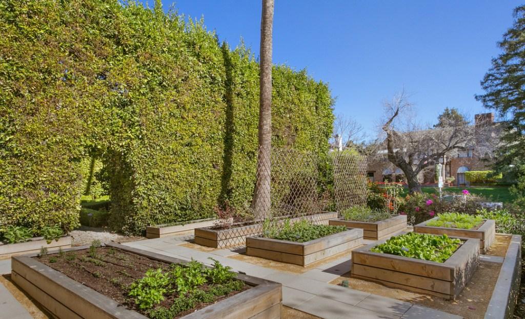 Shonda Rhimes Lists Los Angeles Home for $25 Million