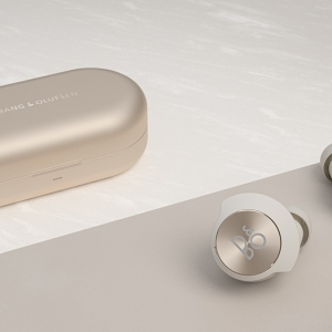 Bang & Olufsen Beoplay EQ wireless earbuds01