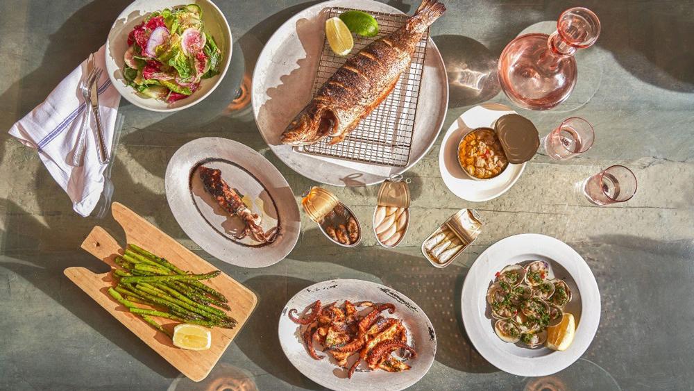 il buco al mare seafood table
