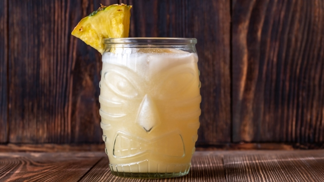 Painkiller cocktail tiki glass pineapple
