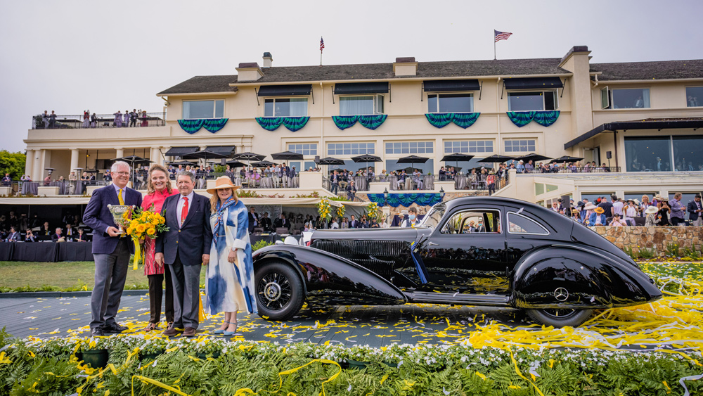 Arturo and Deborah Keller receive Best of Show for their 1938 Mercedes-Benz 540K Autobahn Kurier at the 70th Pebble Beach Concours d'Elegance.