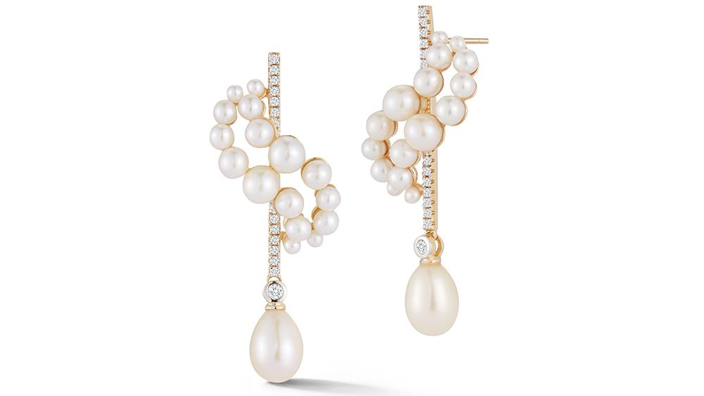 MATEO Pearl Curve Earrings